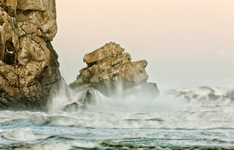 pillar-rock-heavy-seas-_a1c0230-morro-bay-ca