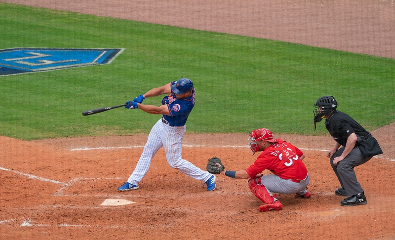 Tebow-basehit-_A9A6404-First-Data-Field,-Port-St.-Lucie,-FL-