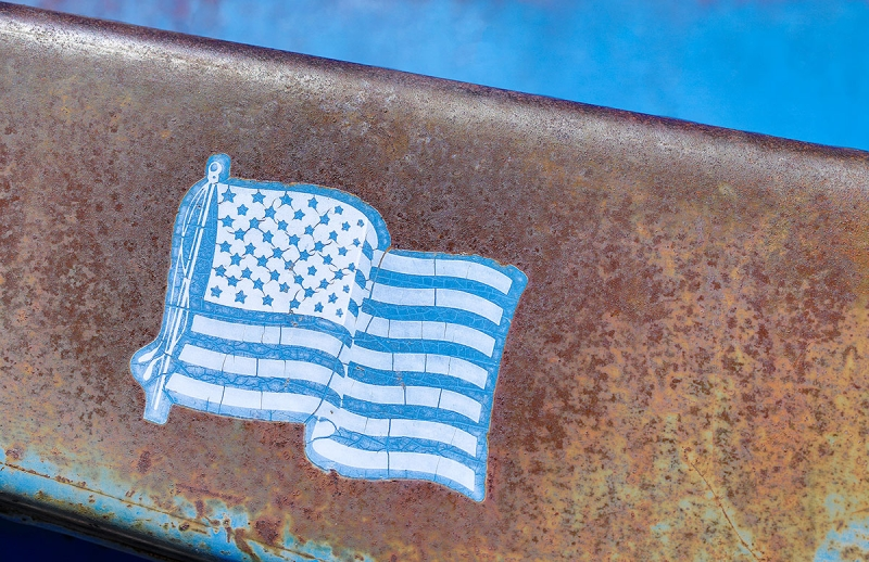 blue-American-flag-on-old-truck-_P3A8729-Palouse,-WA