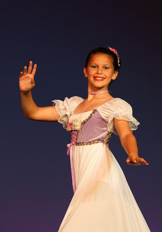 maya-egensteiner-dancing-to-edelweiss-_a1c7855-dance-recital-frostproof-fl