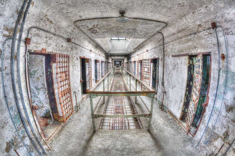upstairs-cell-block-_mg_9719-eastern-state-penitenitary-philadelphia-paand7more_tonemapped