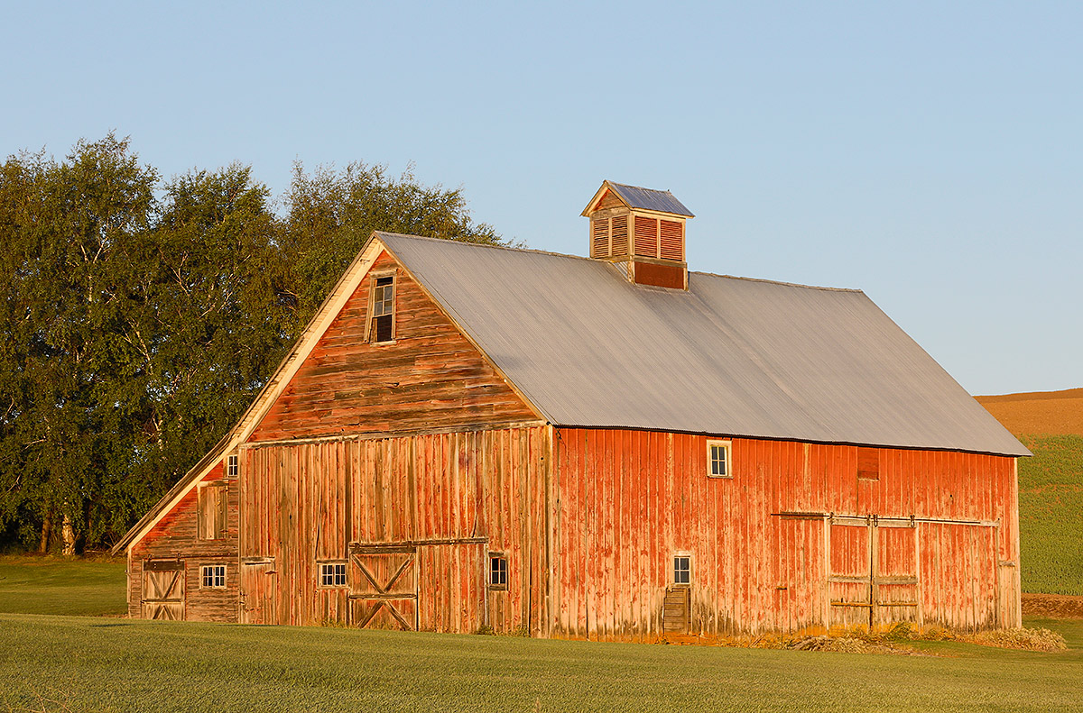 old-barn-early-morning-70-200-_a1c0283-the-palouse-wa
