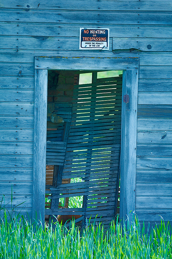 old-farmhouse-doorway-hdr-_t0a7018spokane-wa