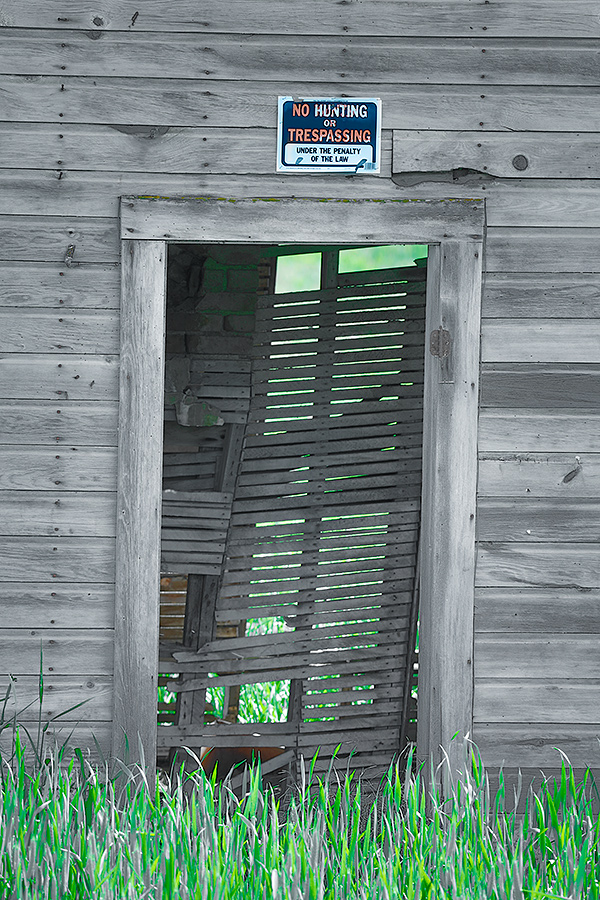old-farmhouse-gray-doorway-hdr-_t0a7018spokane-wa