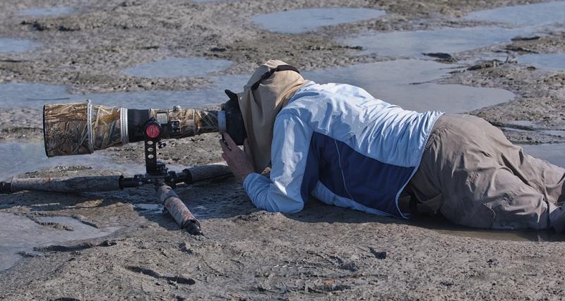 arthur-morris-in-mud-with-splayed-tripod-tim-kaufman-image-_90z1522-little-estero-lagoon-fort-myers-beach-fl