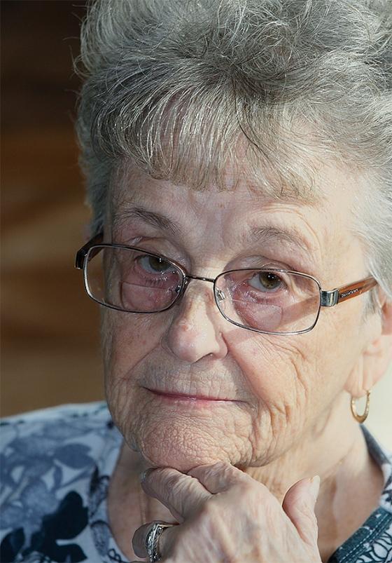 Hazel-at-87-12-27-09-a-rare-smile-_60J9741-Holbrook-NY