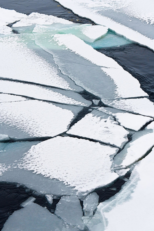 cracked-ice-patterns-_BUP4927Antarctic-Sound,-Antarctica