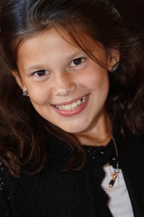 maya-smiling-_a1c8411-li-ny